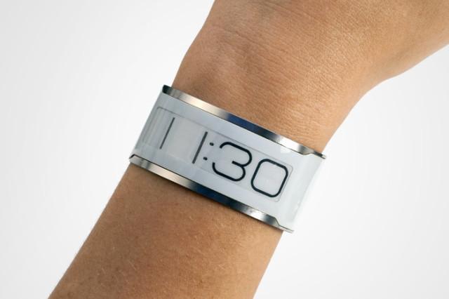 worlds-thinnest-watch-0005